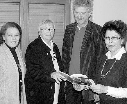 Einen Informationsnachmittag zum Thema Demenz veranstaltete kürzlich die Arbeiterwohlfahrt. Im Bild (von links) Projektleiterin Gudrun Brill, Geschäftsführerin Hannelore Bienlein-Holl, Diplom-Sozialpädagoge Georg Pilhofer und Pflegedienstleiterin Maria Siller.