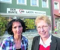 """Gisela Kirchmann (rechts) und Grazyna Führer sind die guten Seelen des """"Bunten AWO-Ladens"""". Bild: Harald Mohr"""