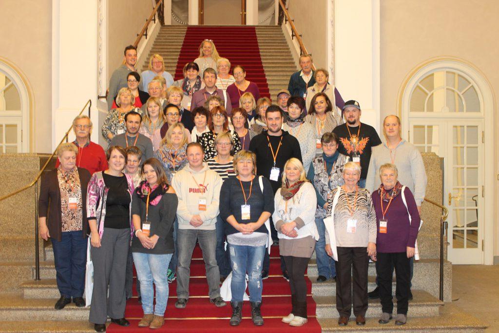 Die Besuchergruppe im Foyer des Maximilianeums